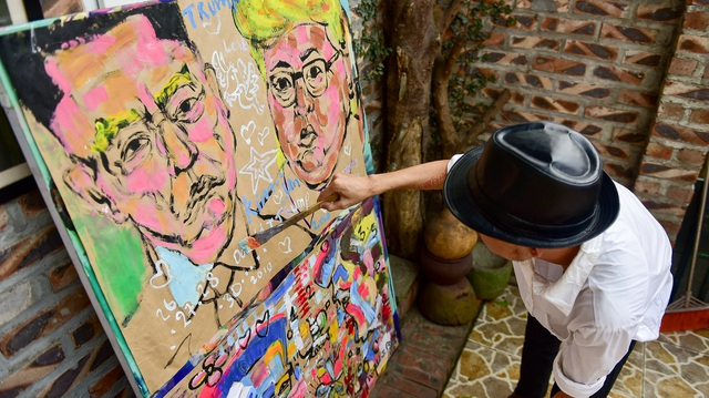 Gặp họa sĩ vẽ hơn 100 tranh chân dung TT Donald Trump và Chủ tịch Kim Jong-un - 2