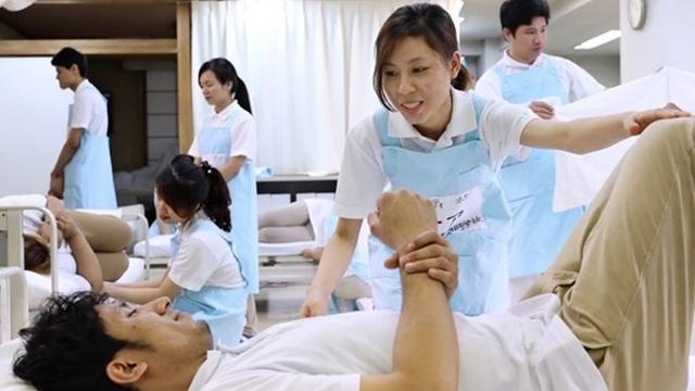 Nhật Bản nới lỏng tiêu chuẩn đối với các điều dưỡng viên nước ngoài - 1