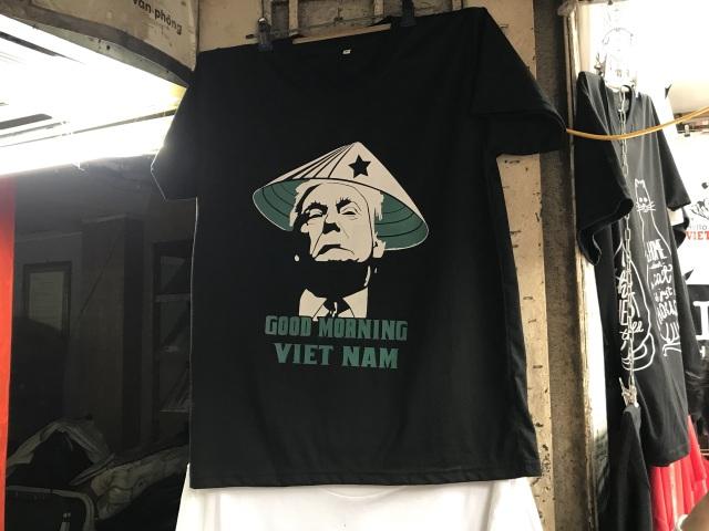 Một phút nghĩ ra ý tưởng, ngày bán 400 áo hình Tổng thống Trump và Chủ tịch Kim - 4