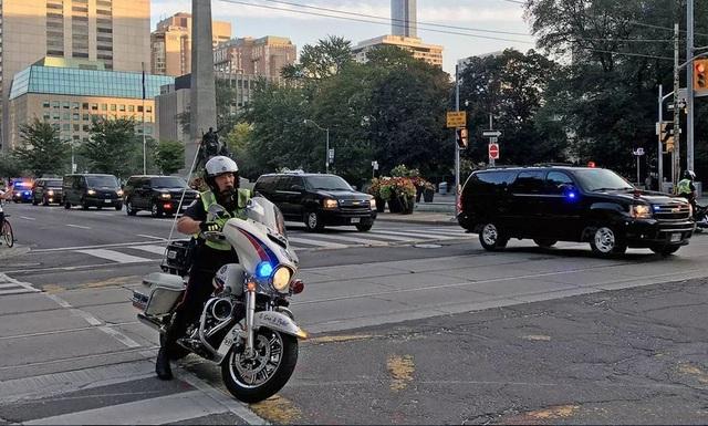 Dàn mô tô siêu độc hộ tống ông Trump khi đến Việt Nam - 3..JPG