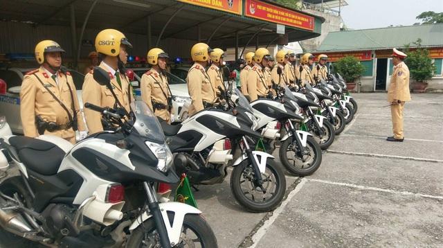 Dàn mô tô siêu độc hộ tống ông Trump khi đến Việt Nam - 7..jpg