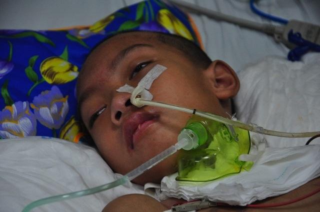 Vợ chồng chết lặng trước cảnh con trai đầu chết vì suy tim, con thứ 2 nguy kịch vì u não - 6