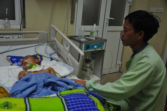 Vợ chồng chết lặng trước cảnh con trai đầu chết vì suy tim, con thứ 2 nguy kịch vì u não - 7