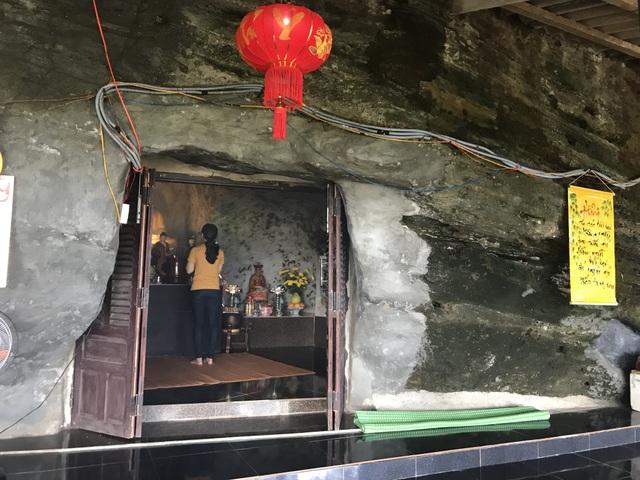 Bình yên chùa Đục trên vách núi lửa hàng triệu năm tuổi - 2