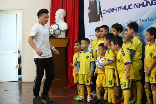 """Quang Hải được đề cử Gương mặt trẻ tiêu biểu: """"Tôi chỉ là người đại diện cho thành công của tập thể"""" - 2"""