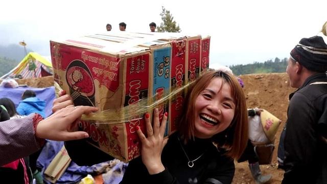 """Nhóm bạn trẻ Chí Linh """"bỏ phố lên rừng"""" đem hơi ấm tình người đến bà con nghèo vùng cao - 3"""