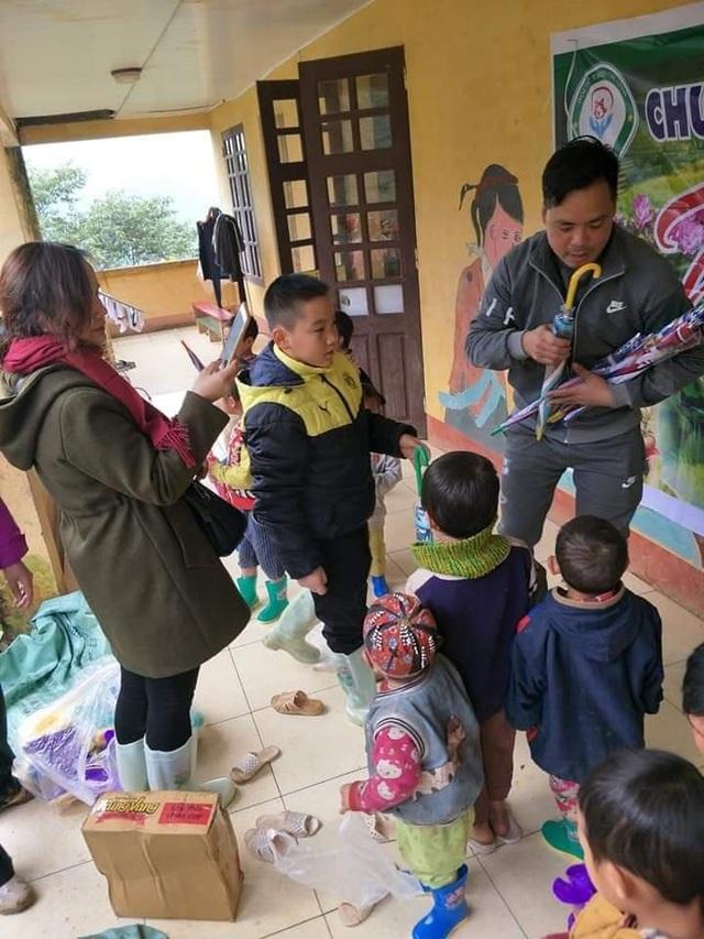 """Nhóm bạn trẻ Chí Linh """"bỏ phố lên rừng"""" đem hơi ấm tình người đến bà con nghèo vùng cao - 5"""