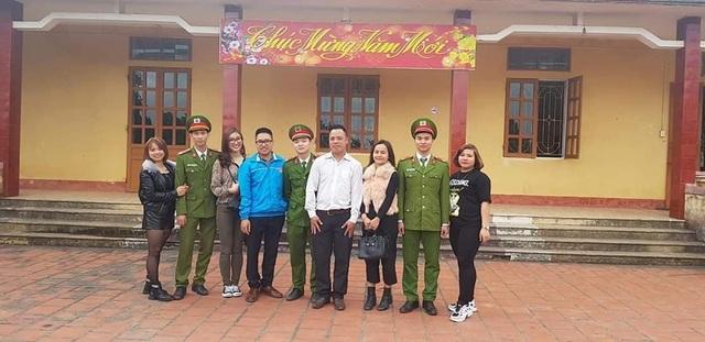 """Nhóm bạn trẻ Chí Linh """"bỏ phố lên rừng"""" đem hơi ấm tình người đến bà con nghèo vùng cao - 7"""