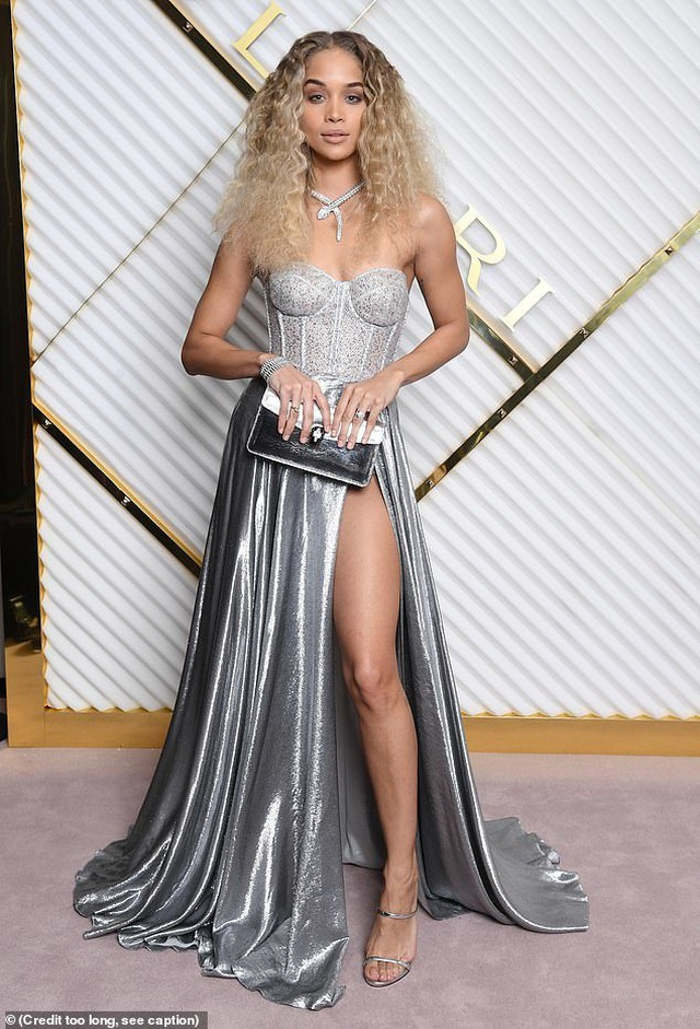 Bella Hadid nổi bật tại tuần lễ thời trang Milan - 12