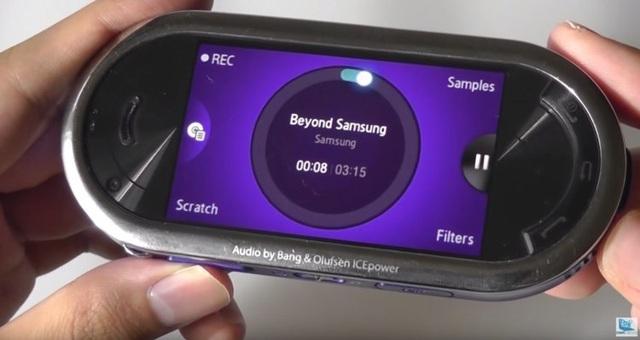 Nhìn lại những chiếc điện thoại phá cách của Samsung trong hơn một thập kỷ qua - 7