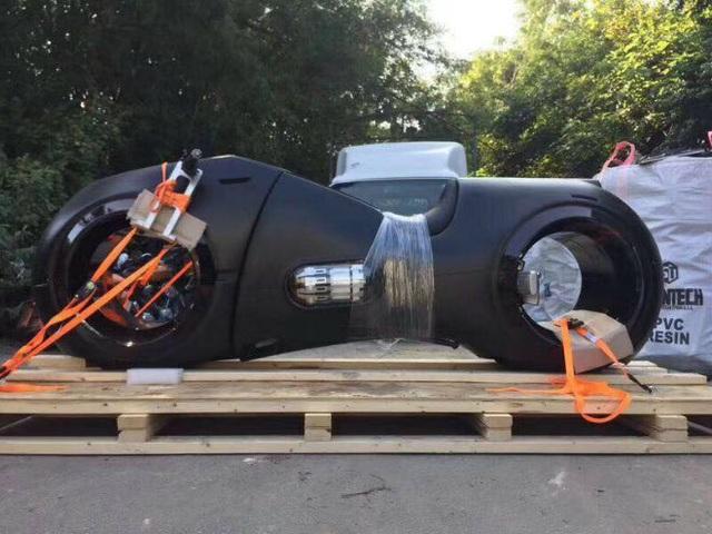Choáng: Phúc XO tậu 2 môtô 10 tỷ có bánh không trục, động cơ 2000cc - 4