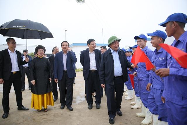 Thủ tướng Nguyễn Xuân Phúc dự lễ khánh thành Nhà máy nước tinh khiết, thảo dược và hoa quả Núi Tiên - 7