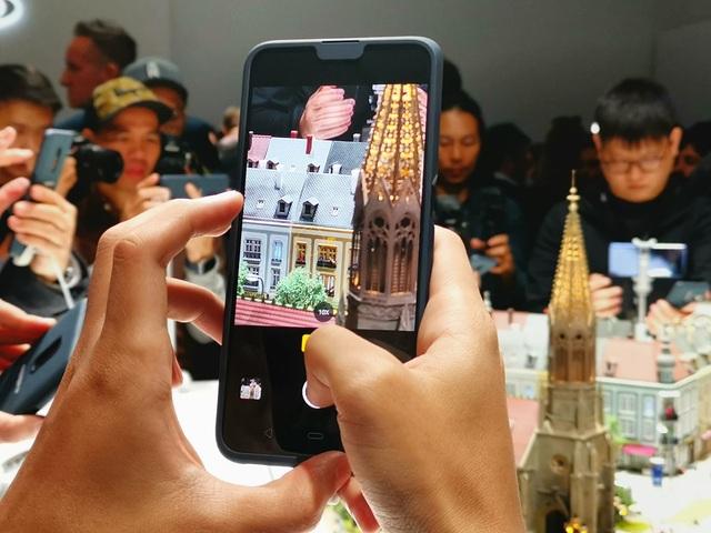 Oppo trình làng smartphone zoom quang 10X đầu tiên trên thế giới - 4