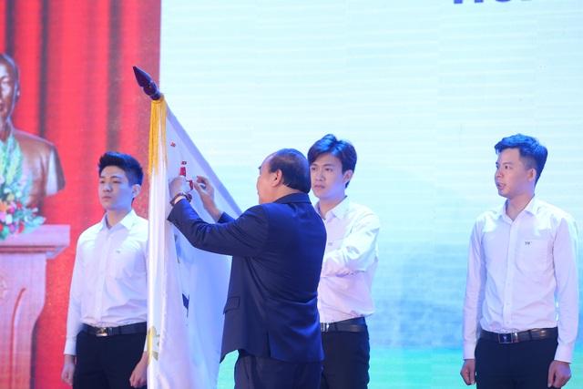 Thủ tướng Nguyễn Xuân Phúc dự lễ khánh thành Nhà máy nước tinh khiết, thảo dược và hoa quả Núi Tiên - 4