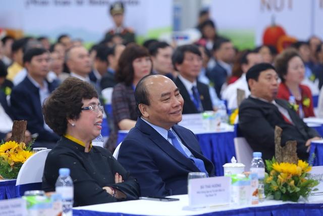 Thủ tướng Nguyễn Xuân Phúc dự lễ khánh thành Nhà máy nước tinh khiết, thảo dược và hoa quả Núi Tiên - 2