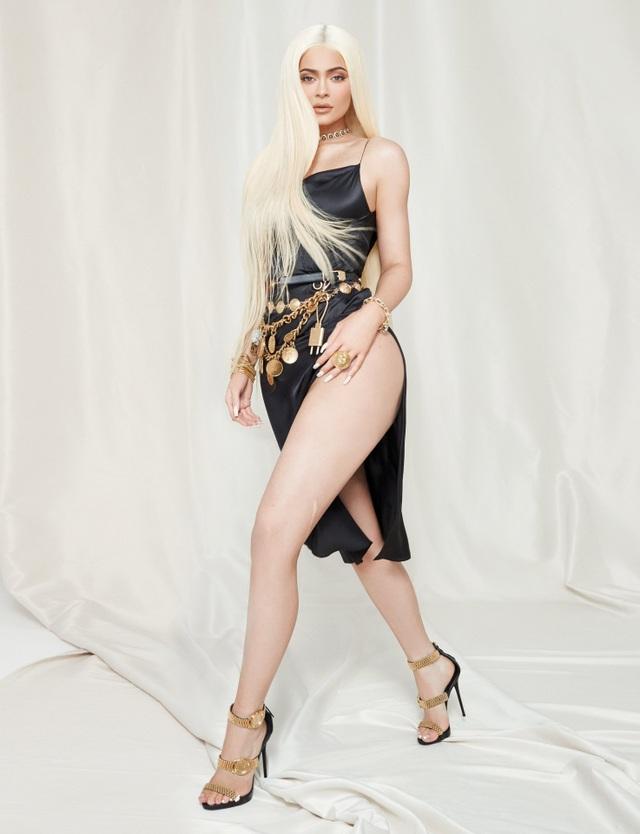 Kylie Jenner quyến rũ trên tạp chí - 6