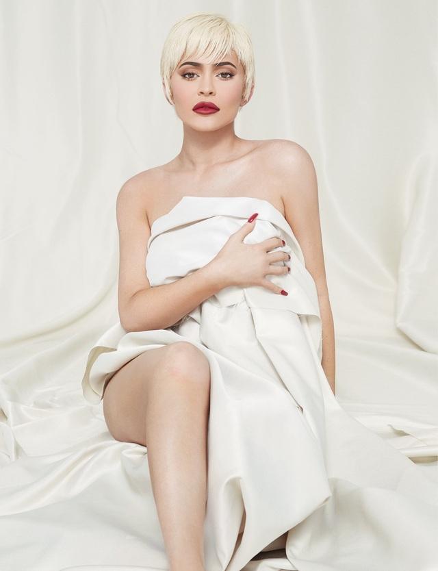 Kylie Jenner quyến rũ trên tạp chí - 5