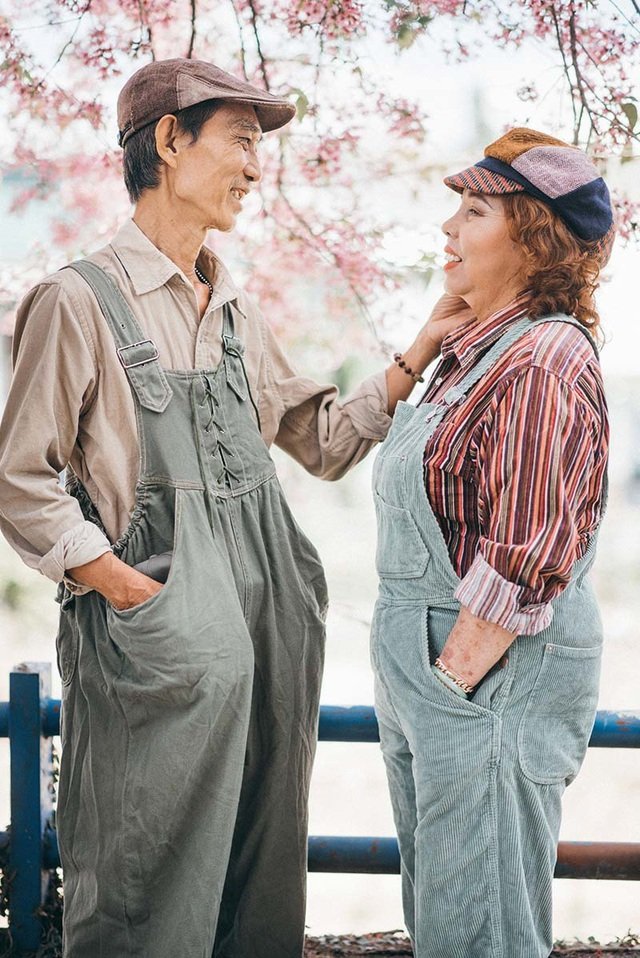 """Ngưỡng mộ tình yêu gần 40 năm vẫn """"xanh ngát"""" của hai ông bà Sài Gòn - 2"""