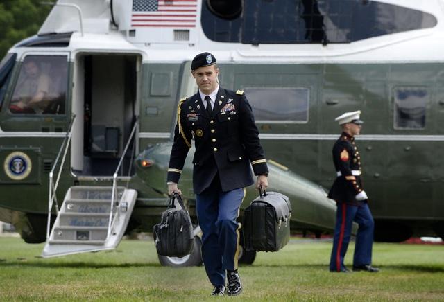 Vali hạt nhân luôn đi cùng Tổng thống Mỹ như hình với bóng - 2