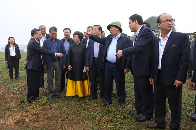 Thủ tướng Nguyễn Xuân Phúc dự lễ khánh thành Nhà máy nước tinh khiết, thảo dược và hoa quả Núi Tiên - 10