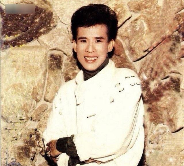 Em trai Tuấn Vũ bật mí về những góc khuất trong cuộc đời anh trai - 1