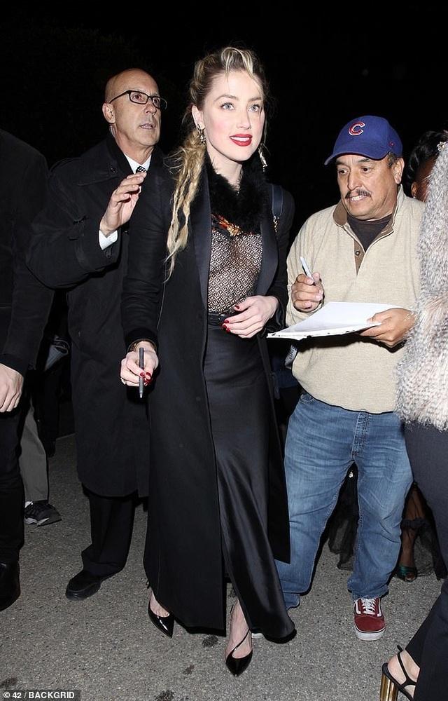 Amber Heard diện áo không nội y - 5