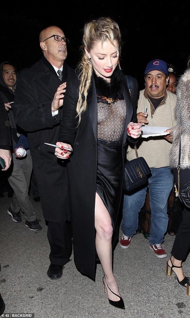 Amber Heard diện áo không nội y - 2