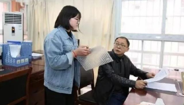 Trung Quốc: Từ người chăn vịt trở thành tiến sĩ sau 20 năm cố gắng - 2