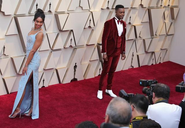 Minh tinh Hollywood khoe váy áo lộng lẫy trên thảm đỏ Oscar 2019 - 38