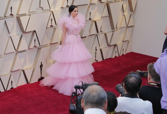 Minh tinh Hollywood khoe váy áo lộng lẫy trên thảm đỏ Oscar 2019 - 42