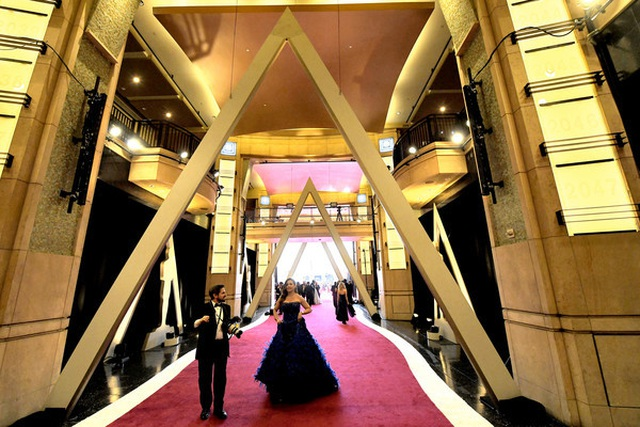 Minh tinh Hollywood khoe váy áo lộng lẫy trên thảm đỏ Oscar 2019 - 4