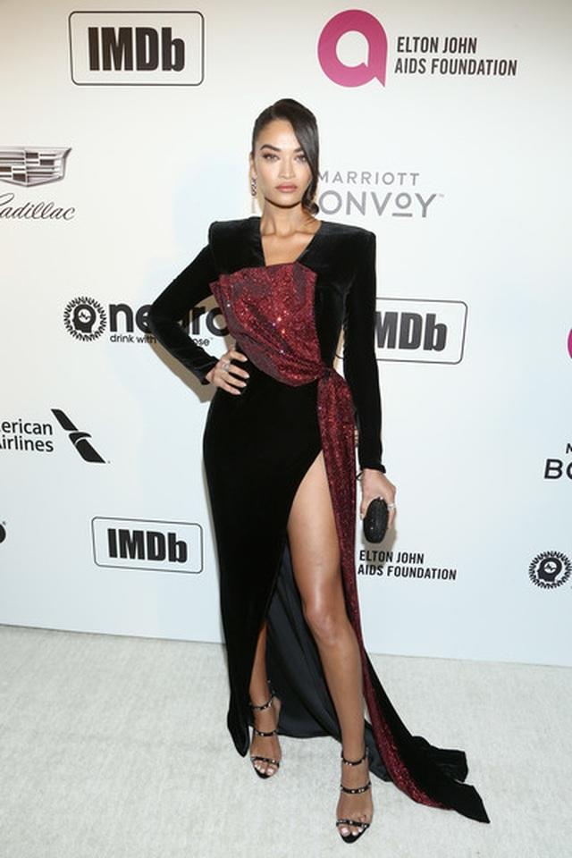 Shanina Shaik lộ hàng trong tiệc Oscar - 9
