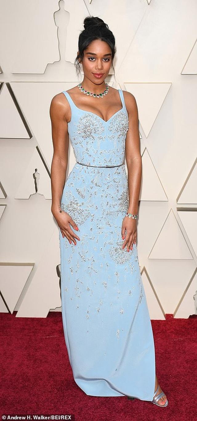 Minh tinh Hollywood khoe váy áo lộng lẫy trên thảm đỏ Oscar 2019 - 54