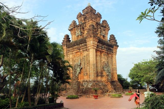 Di tích Quốc gia Tháp Nhạn: Điểm đến không nên bỏ lỡ ở Phú Yên - 1