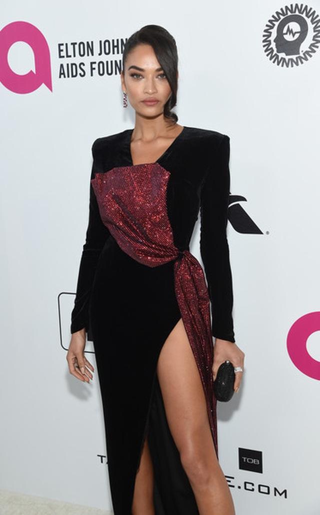 Shanina Shaik lộ hàng trong tiệc Oscar - 11