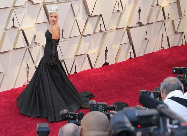Minh tinh Hollywood khoe váy áo lộng lẫy trên thảm đỏ Oscar 2019 - 55
