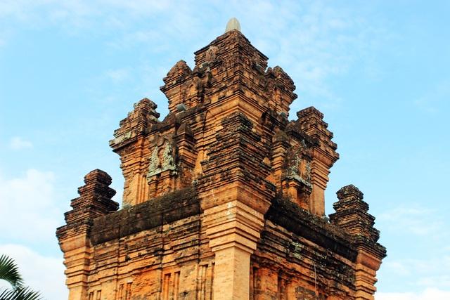 Di tích Quốc gia Tháp Nhạn: Điểm đến không nên bỏ lỡ ở Phú Yên - 2