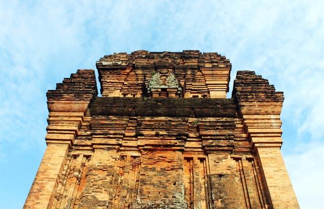 Di tích Quốc gia Tháp Nhạn: Điểm đến không nên bỏ lỡ ở Phú Yên - 3