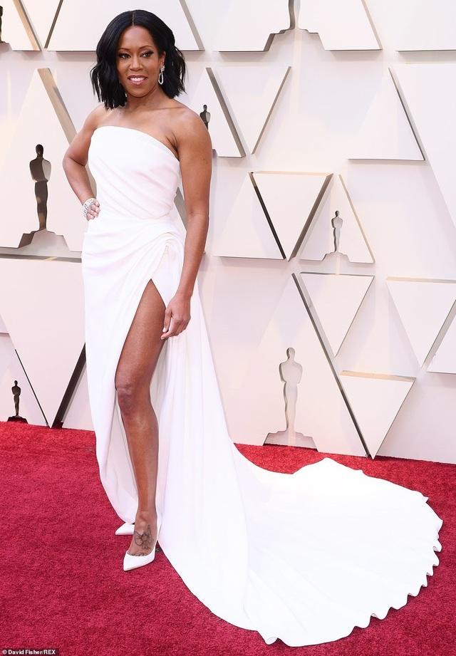Minh tinh Hollywood khoe váy áo lộng lẫy trên thảm đỏ Oscar 2019 - 41