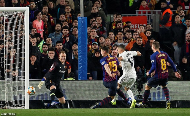 Real Madrid - Barcelona: Cuộc chiến cả mùa giải - 3