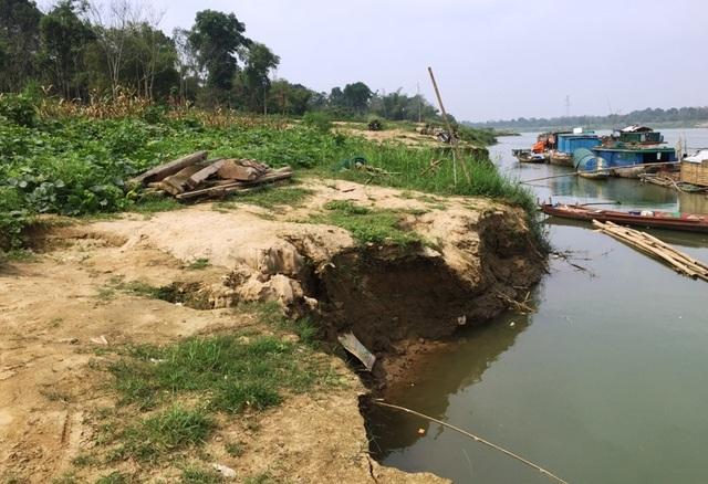 Báo động đỏ tình trạng hà bá nuốt đất, nuốt nhà, truy bức người dân ven sông Mã - 2
