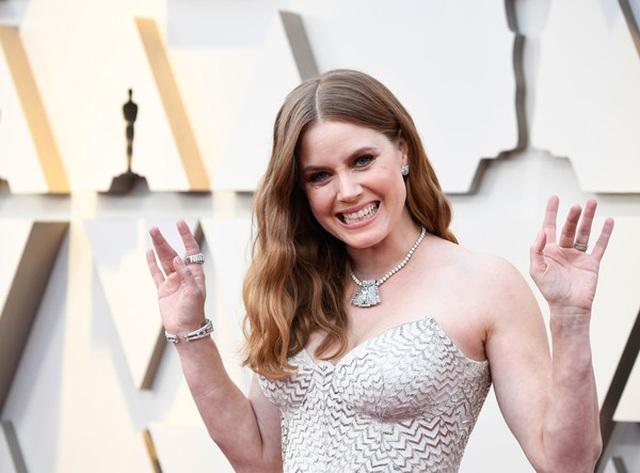 Minh tinh Hollywood khoe váy áo lộng lẫy trên thảm đỏ Oscar 2019 - 15
