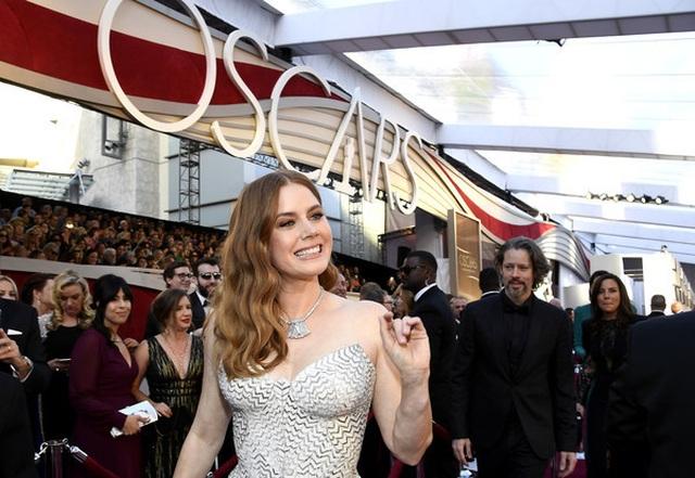 Minh tinh Hollywood khoe váy áo lộng lẫy trên thảm đỏ Oscar 2019 - 16