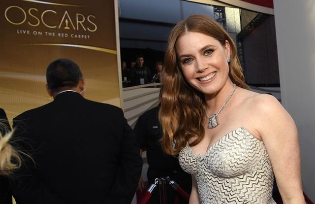 Minh tinh Hollywood khoe váy áo lộng lẫy trên thảm đỏ Oscar 2019 - 17