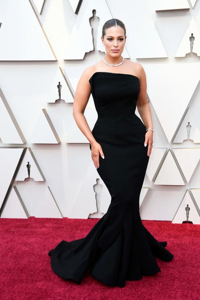 Minh tinh Hollywood khoe váy áo lộng lẫy trên thảm đỏ Oscar 2019 - 25