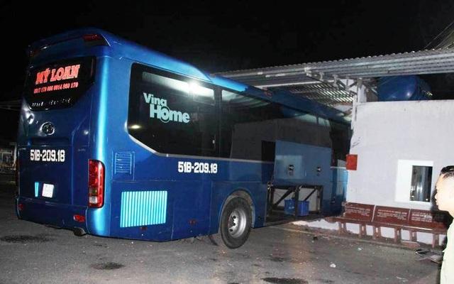 Vụ xe khách tông 1 người chết, 5 người bị thương: Tạm giữ tài xế và phụ xe - 2