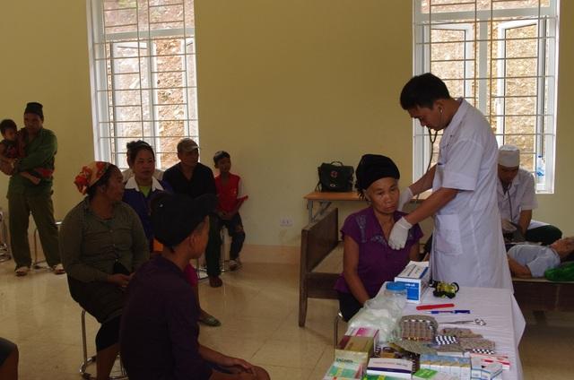 Người bác sĩ tận tụy với người dân hai bên biên giới Việt - Lào - 3