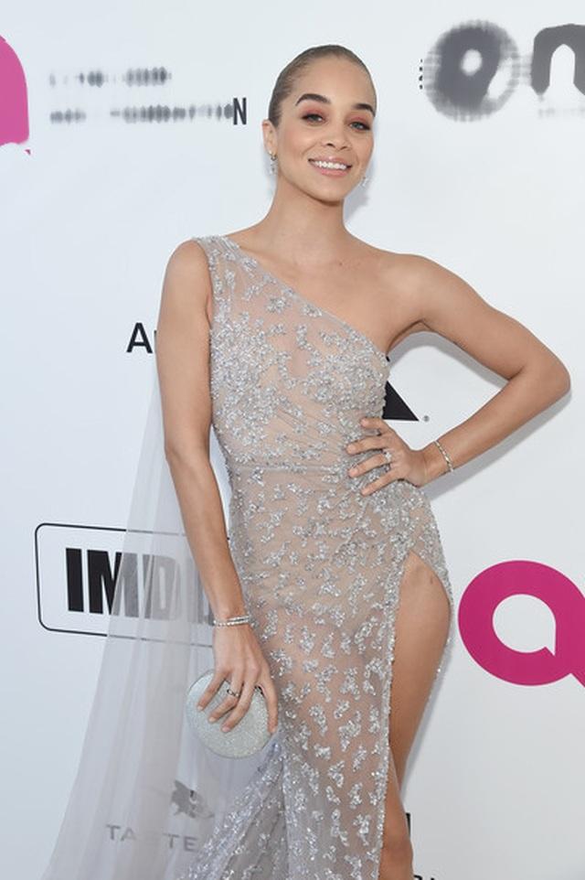 Jasmine Sanders đẹp như mộng với váy màn tuyn - 7