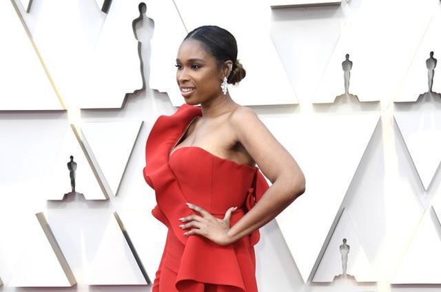 Minh tinh Hollywood khoe váy áo lộng lẫy trên thảm đỏ Oscar 2019 - 14