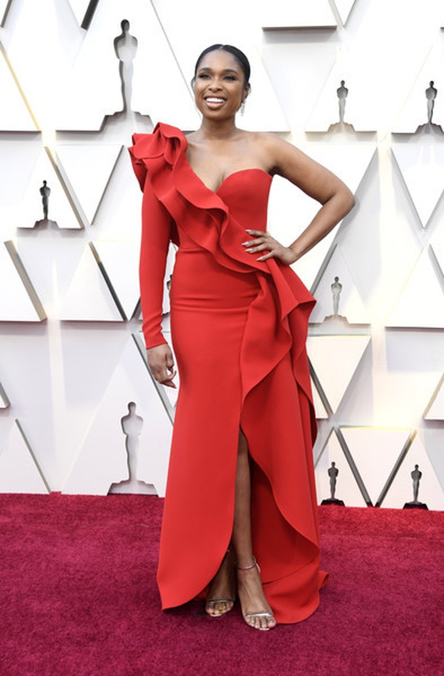 Minh tinh Hollywood khoe váy áo lộng lẫy trên thảm đỏ Oscar 2019 - 12